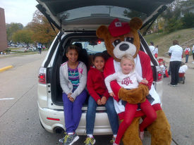 Bear and friends waiting for the parade to start   lincoln homecoming 2012