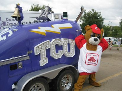 Neighbear with tcu truck