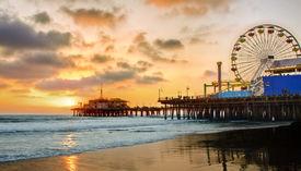 Mty0mmrhogetmjy3ns00nzexltk2ndatztewzwi2mwu4ndll media 2015 06 santa monica pier at sunset