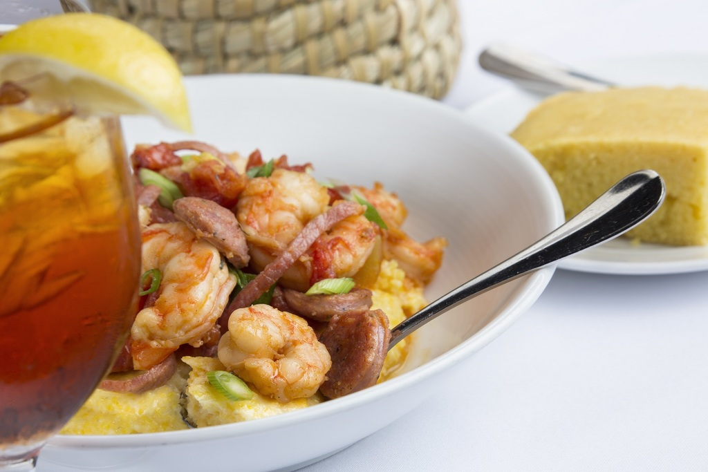 Snob shrimp and grits
